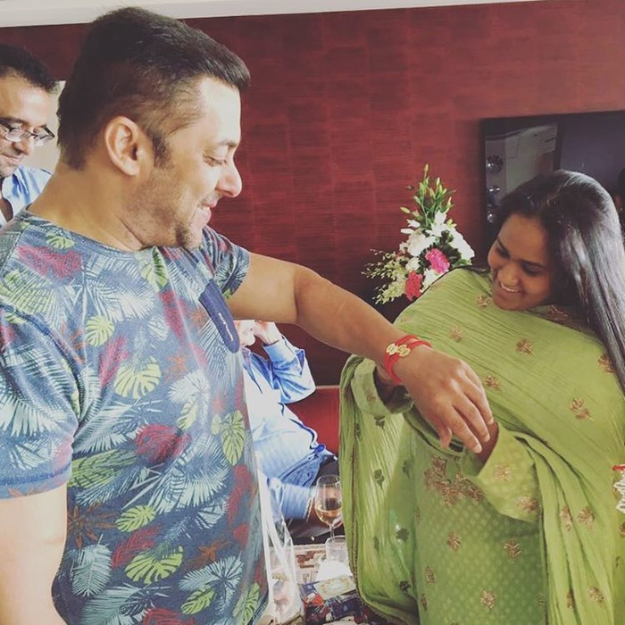 This Is How Our Favourite Bollywood Stars Celebrated Rakshabandhan