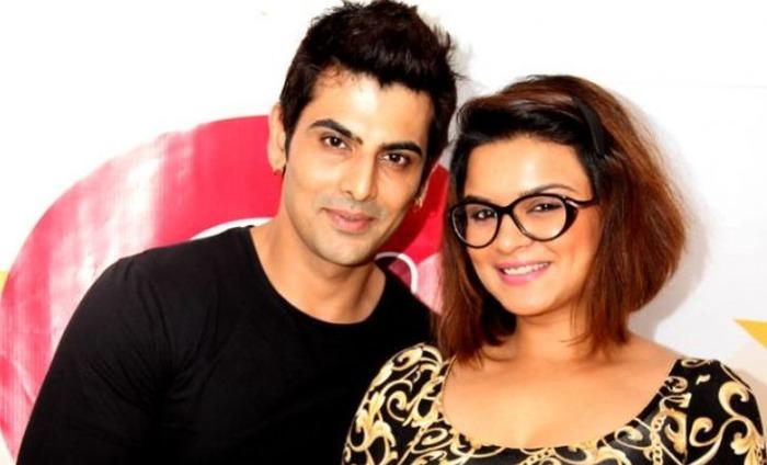 Aashka Goradia And Rohit Bakshi Part Ways After 10 Years