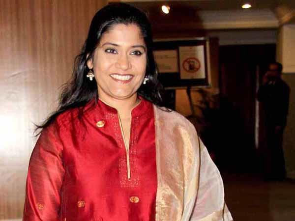 Renuka Shahne's Facebook Post On Fairness Creams Is Totally Making Sense
