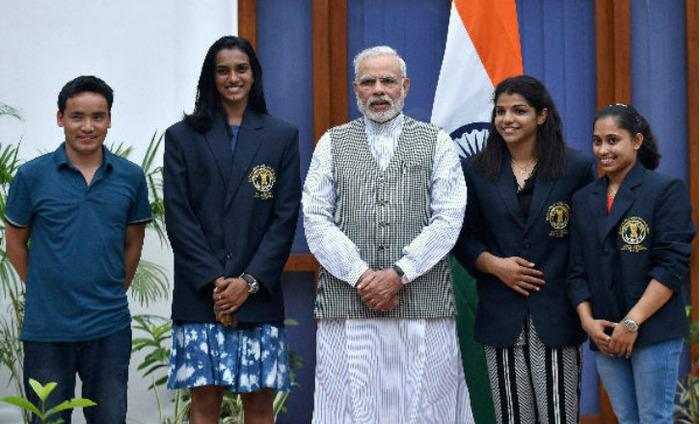 PM Modi Meets Sindhu, Sakshi, Dipa And Other Athletes