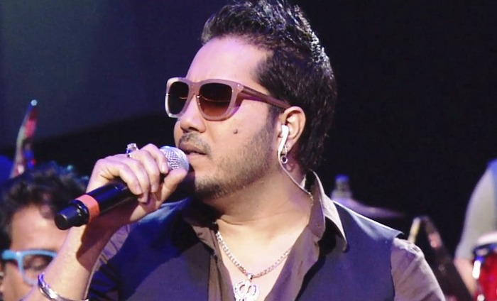 Mika Singh's Adult Humour Irks Audience At Happy Bhag Jayegi Music Launch