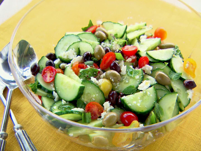 10 Delicious And Easy To Make Salad Recipes