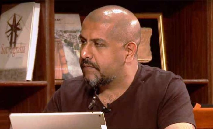 Vishal Dadlani Quits AAP On His Own; Calls AAP Family
