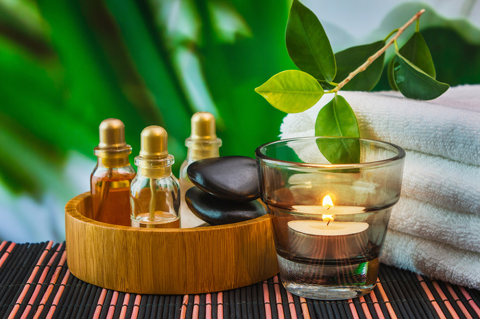 5 Essential Oils That You Need To Add To Your Beauty Regime