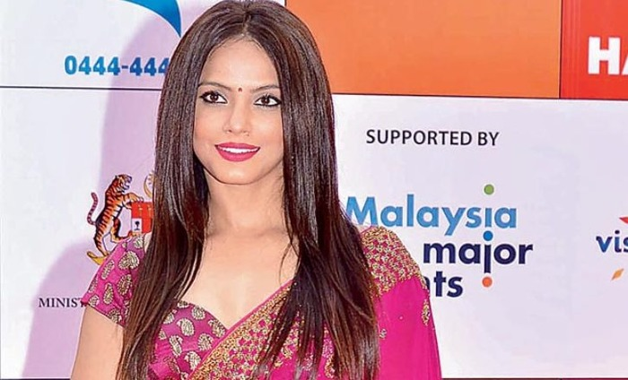 Neetu Chandra Led Community Parade For Advanced Independence Day Celebrations In Toronto