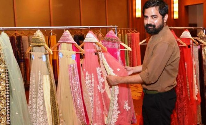 Indian Designers Need To Work With Indian Textiles & Handicrafts For Global Recognition: Sabyasachi