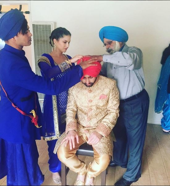 See Pics: Sunny Leone's Punjabi Avatar At Her Brother's Wedding