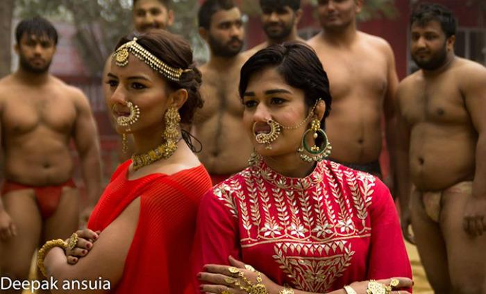 Geeta Phogat And Babita Phogat Rock The 'Desi' Look With So Much Swag!