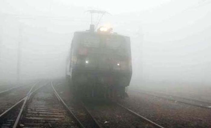 Fog Delays Trains And Flights In North Delhi