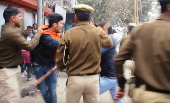 AAP Reveals Video Of Delhi Police Assaulting Student Protesters Over Rohith Suicide