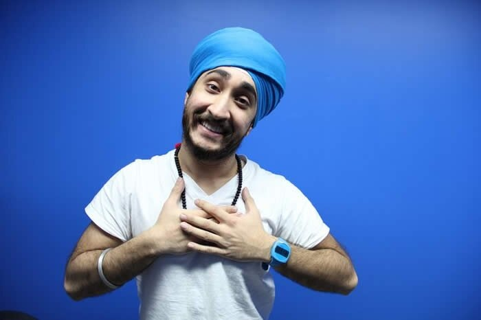 Sikh YouTuber JusReign Made To Take Off His Turban At A US Airport