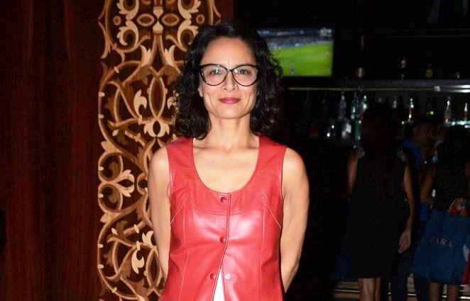 Meet The Newly Single Adhuna BHABHANI!