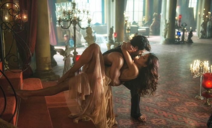 Does Fitoor's Pashmina Remind You Of Ed Sheeran's Thinking Out Loud?