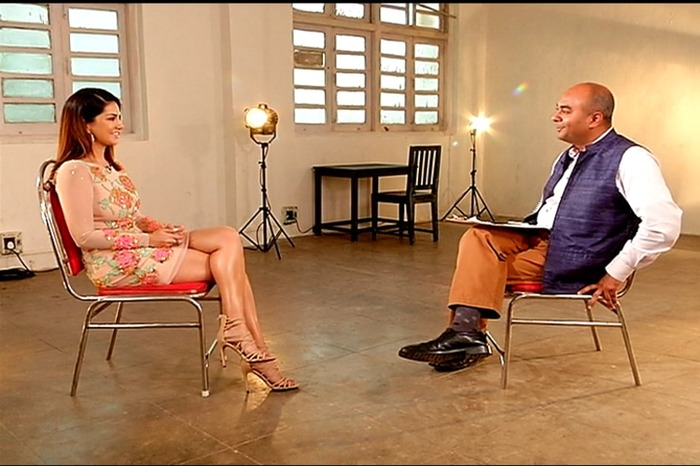 Here's How Bollywood Reacted To Sunny Leone's Sexist Interviewer!