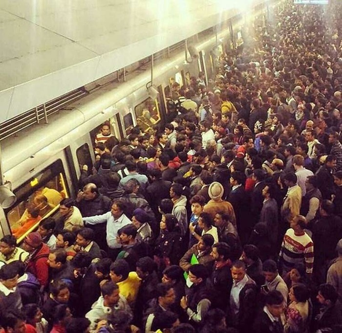 Odd Even Rule: Twitterati React To Fake Pictures Of Rajiv Chowk Metro Station