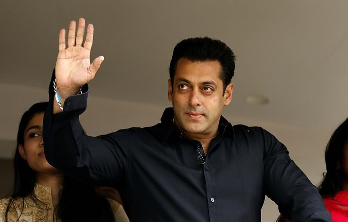Salman Khan Donates Rs 2.5 Crore For Drought Affect Areas In Maharashtra!