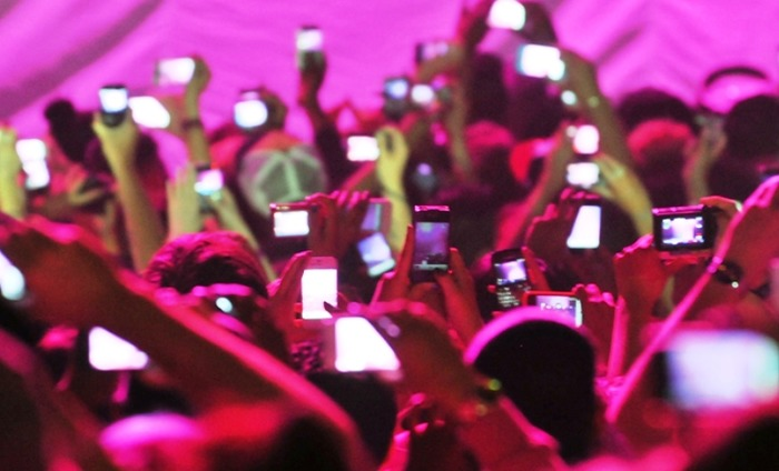 Apple May Block IPhones From Taking Pictures At Concerts