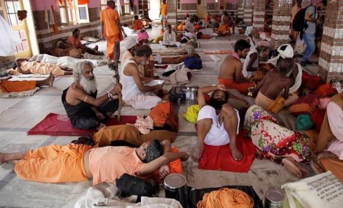 Amarnath Pilgrims Stranded In Srinagar