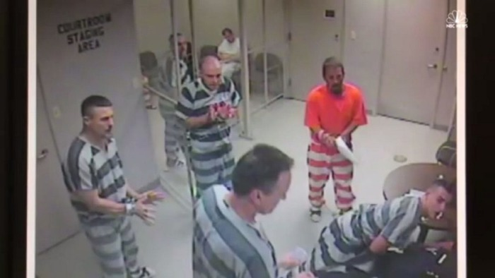 US Inmates Escape The Prison Cell To Save A Guard's Life