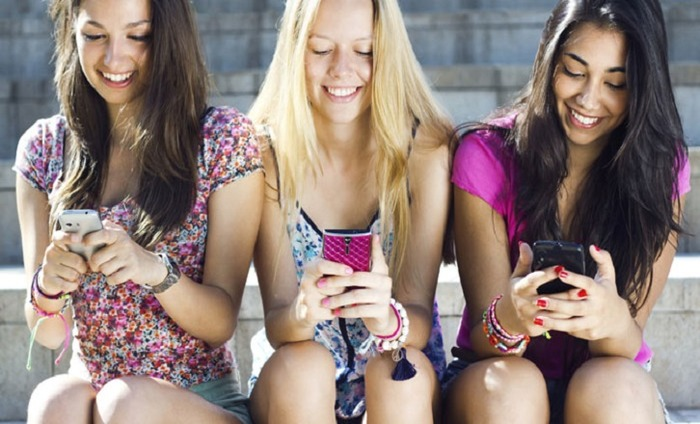 47 Percent Of Smartphone Gamers Are Women: Facebook