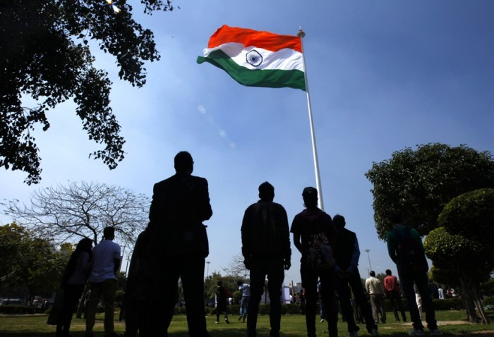 A Man & His Wife Got In To An Altercation For Not Standing Up For The National Anthem In Bangalore