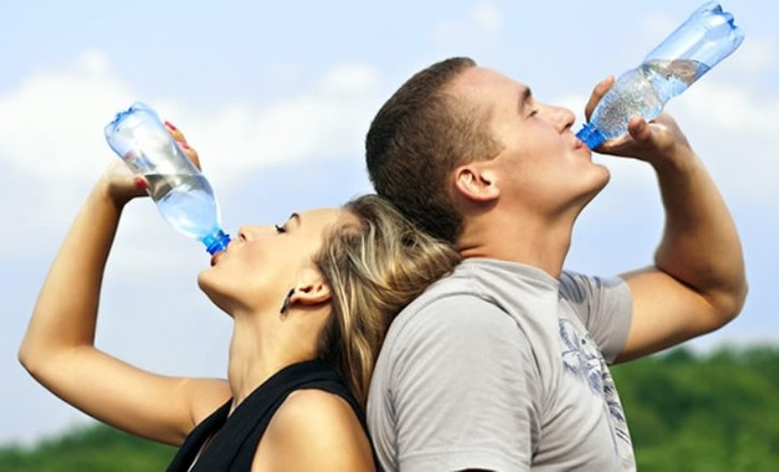 Drinking Water Along With A Meal Can Help You Curb Your Appetite