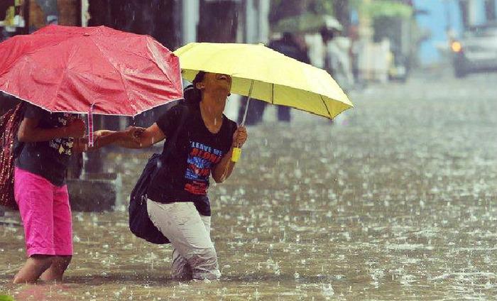 How To Wear Khadi In Monsoon