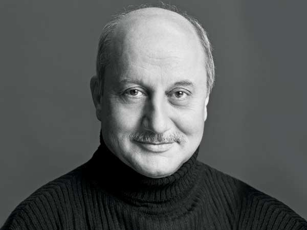 Anupam Kher Tweeted A Picture From Kashmir Riots In 1990 And Twitterati Are Going Crazy