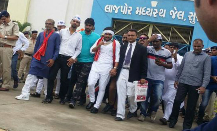 Hardik Patel Out Of Jail, Gets Hero's Welcome