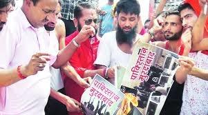 Trucks To J&K Stopped By Punjab Shiv Sena, Muslim Drivers Told To Say 'Bharat Mata Ki Jai'