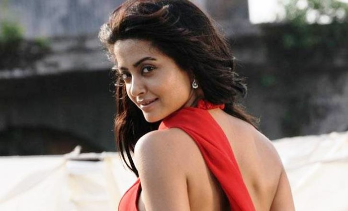 Faced Casting Couch Down South; Not In Bollywood, Says Surveen Chawla