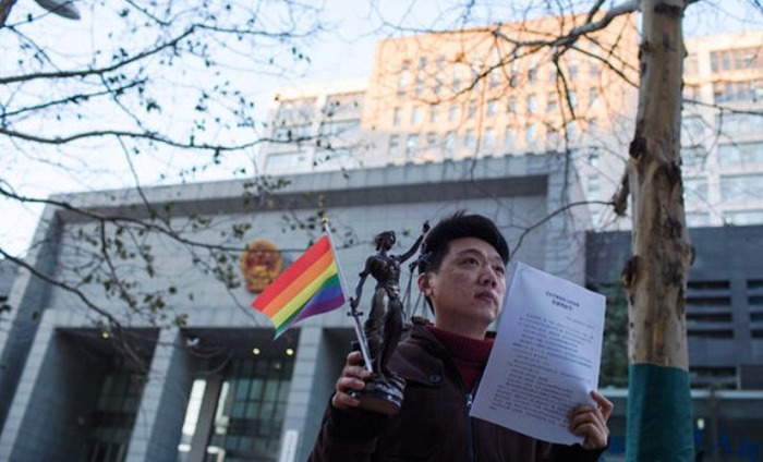Chinese Homosexual Man Sues Hospital For Forcefully Trying To Cure His Illness