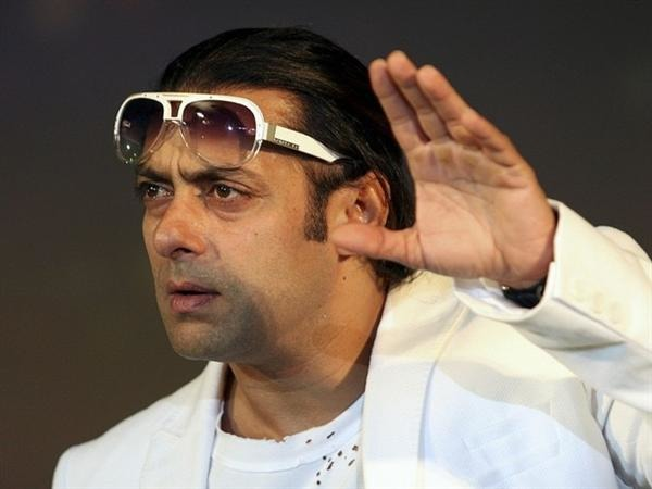 Worshiping A Villain?: Salman Khan's Unabashed Disrespect Of A Female Journalist