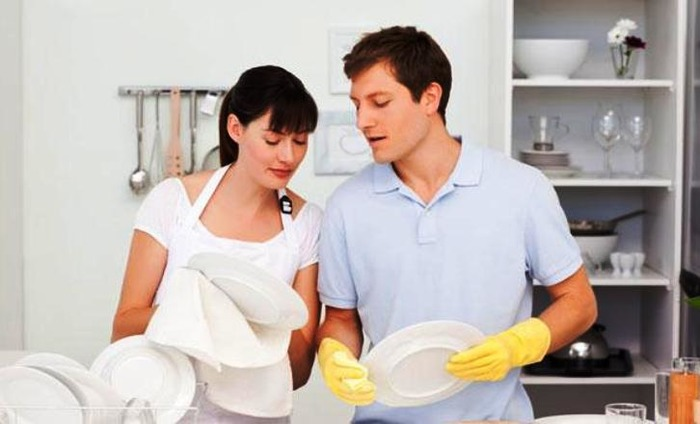 Help Your Wife In Household Chores For A Better Sex Life!