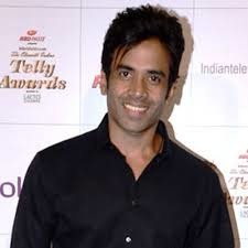 Is This A Joke - Tushar Kapoor Become Single Parent