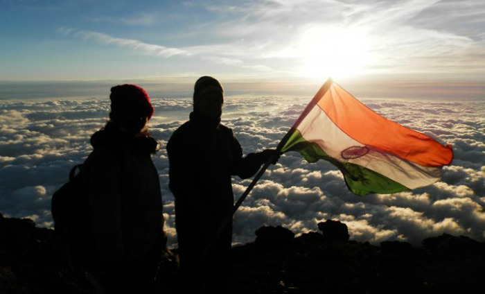 Indian Couple Sets Record By Conquering The Everest Together