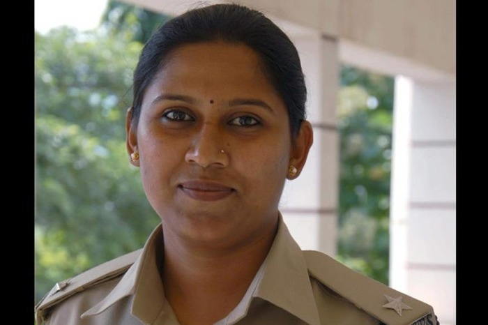 Karnataka DSP Who Was Transferred For Not Accepting Minister's Phone Calls Now Resigns!