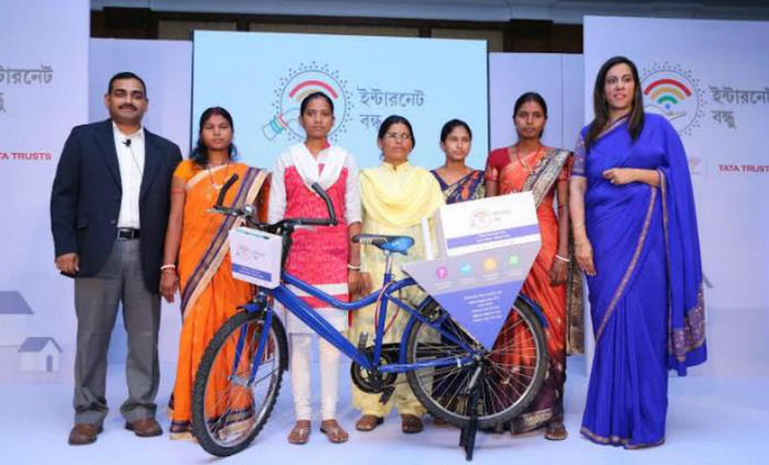 Women Join Hands With Google To Spread Usage Of Internet In Villages