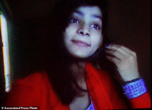 Pakistani Woman Burns Teenage Daughter Alive For Not Having A Traditional Wedding