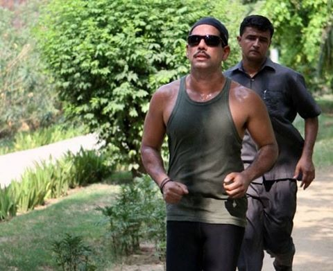 SPG Guards Running Behind Robert Vadra While He Was Jogging In The National Interest!