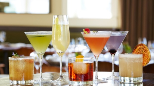 10 Cocktails You Must Definitely Try Making At Home