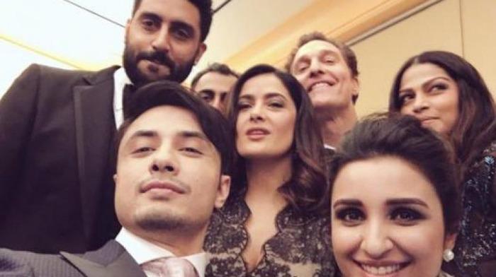 When Akshay, Abhishek, Parineeti & Ali Zafar Shared A Selfie With Salma Hayek & Matthew McConaughey