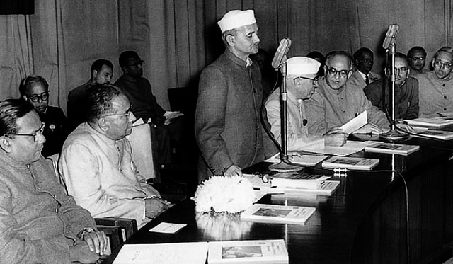Best Example Of Honesty & Integrity - Lal Bahadur Shastri - We Should Share