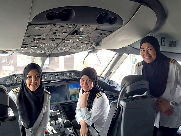 All-female Flight Crew Lands Plane In Saudi Arabia, Where Women Are Not Permitted To Drive