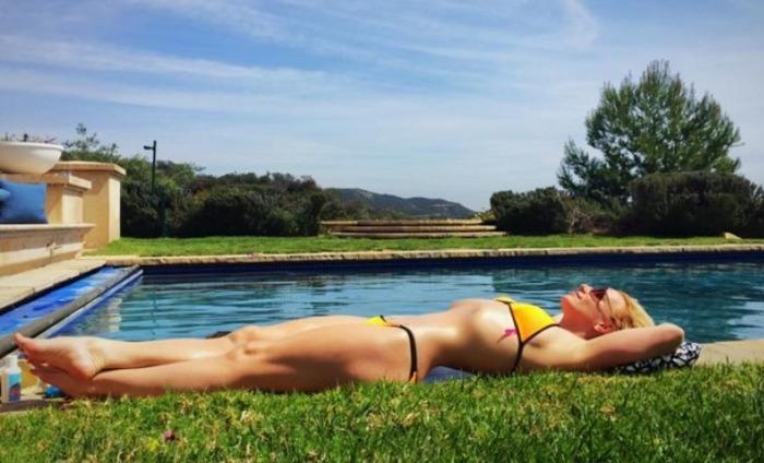 Fans Say Britney Spears' Bikini Photo Is Photoshopped