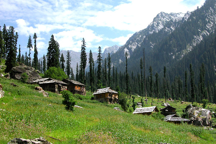 5 Beautiful & UNSEEN Places To Explore In Kashmir Valley