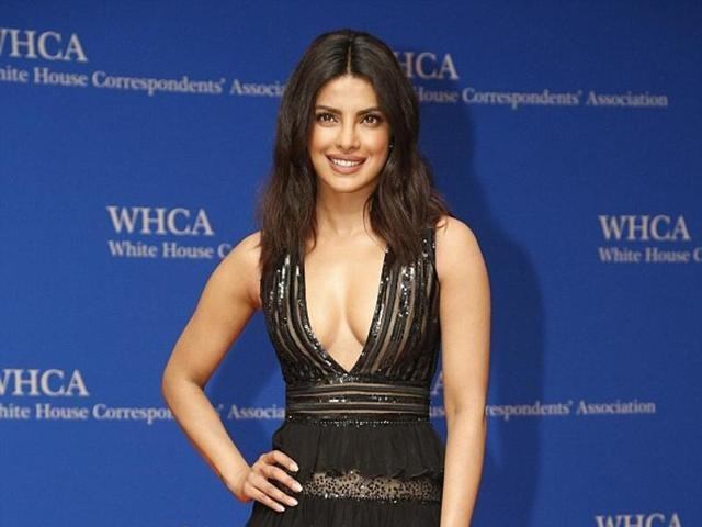 Priyanka Chopra Stuns In A Risque Outfit At Her Dinner With The Obamas