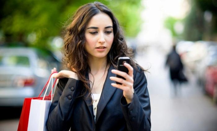 Women More Addicted To Smartphones Than Men: Study