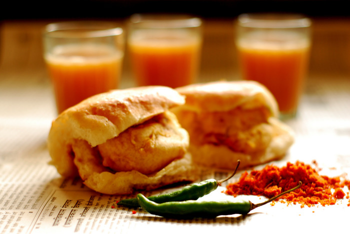 5 Dishes In Mumbai Every Foodie Must Try Atleast Once