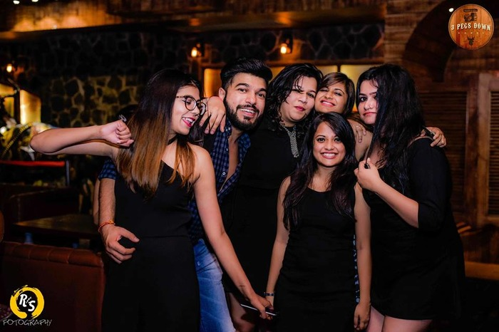 Arjun Hosts A Grand Birthday Party For Friends